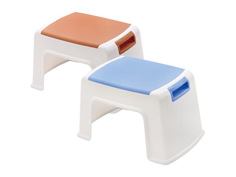 كرسي بمقبض (صغير) (hr0030)