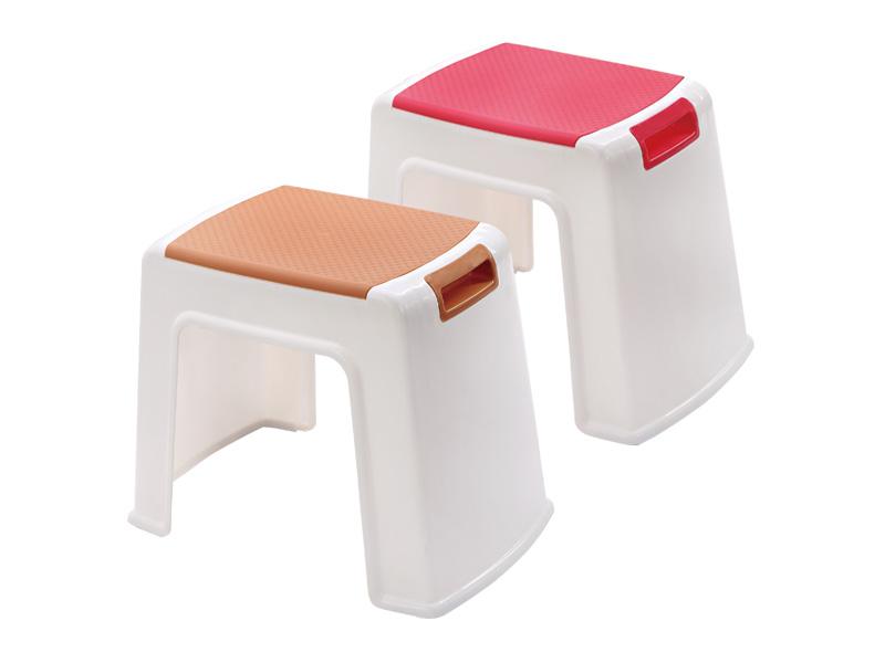 كرسي بمقبض (وسط) (hr0031)